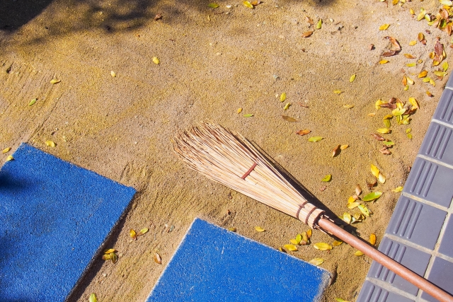 4. 竹箒で素振りで飛距離アップするレッスン