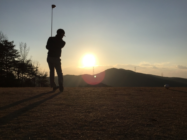 1. ゴルフティーをなくさないショットとはどんなスイング?