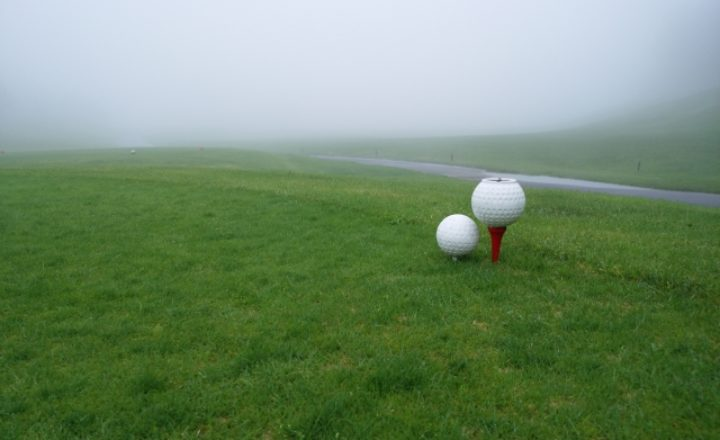 初心者必見!ゴルフ場の色ごとのティーマークの種類と意味を徹底解説!