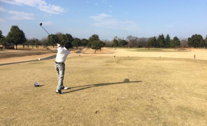 ゴルフスイング中に手首のコックをほどかないで維持するコツと練習方法!