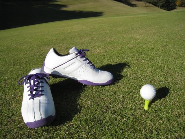 1. ゴルフ初心者は必見!ゴルフシューズのサイズの選び方