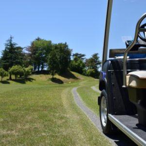 ゴルフ場でお酒を飲んでカート運転すると飲酒運転になる?事故の危険性と責任の所在を解説!