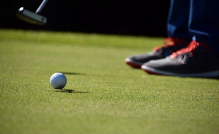 ゴルフ90切りに必要なパターとは?パット数の目安と上達のコツを解説!