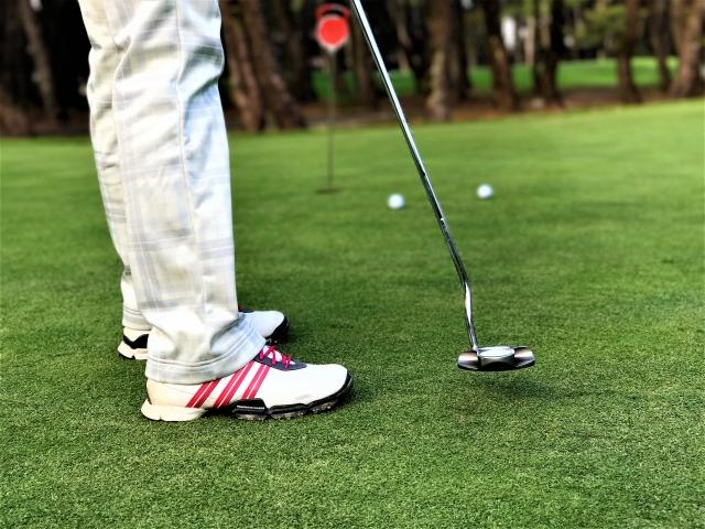 1. 女性向けのゴルフシューズの特徴と選び方