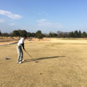 意外と間違いが多い!ゴルフスイングで正しいコックの方向を身につけよう!