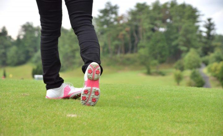 女性ゴルファー必見!レディースに特化したゴルフシューズの選び方と人気商品を総まとめ!