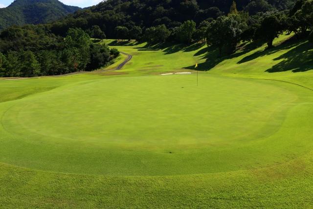 2. グリーン周りからのアプローチのおすすめな練習方法