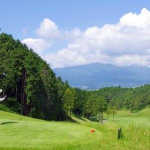夏ゴルフの必需品!女性なら絶対に持参すべき持ち物リストを総まとめ!