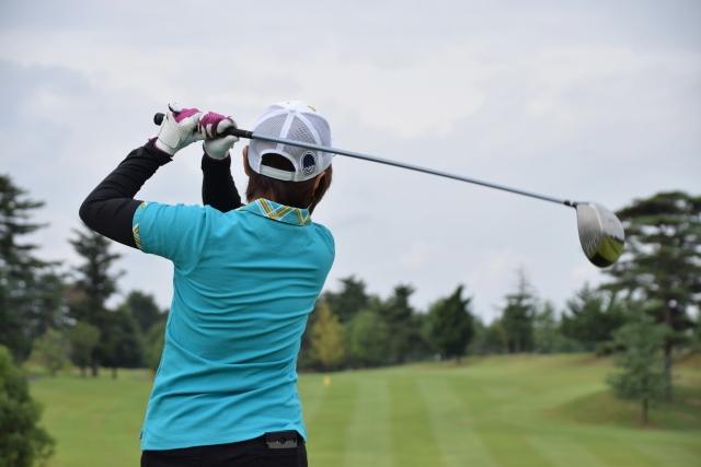 4. 女性がレギュラーティーから回った時のゴルフの平均スコア