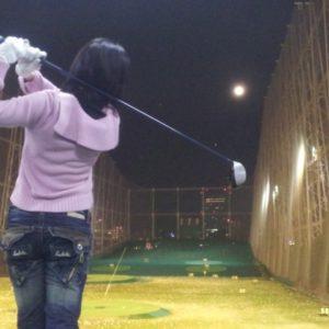 ゴルフで女子のヘッドスピードの平均はいくつ?上げるための効果的な練習方法!