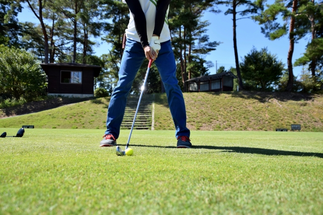 1. 3番アイアンでの基本のゴルフボールの位置を確認