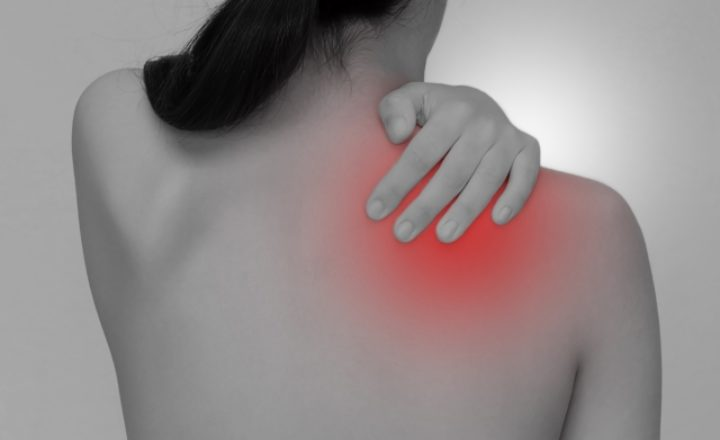 ゴルフで肩が筋肉痛になったらスイングに問題あり!その原因と対策方法を徹底解説!
