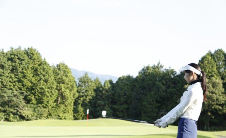 女性の初めてのゴルフの前に!初心者必見の完全マニュアルを大公開!