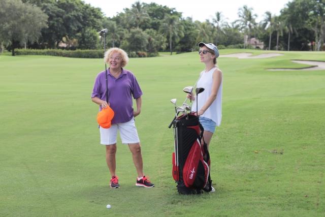1. 女性に必要なゴルフクラブのセッティングの本数は何本?