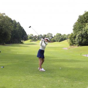 ゴルフで女性のドライバーが飛ばない原因とは?簡単に飛距離アップする練習方法を大公開!