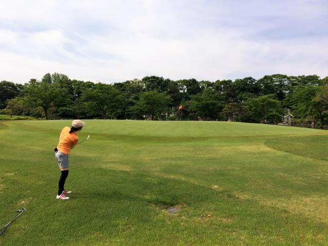 2. 女性のゴルフの平均スコアはどれくらい?