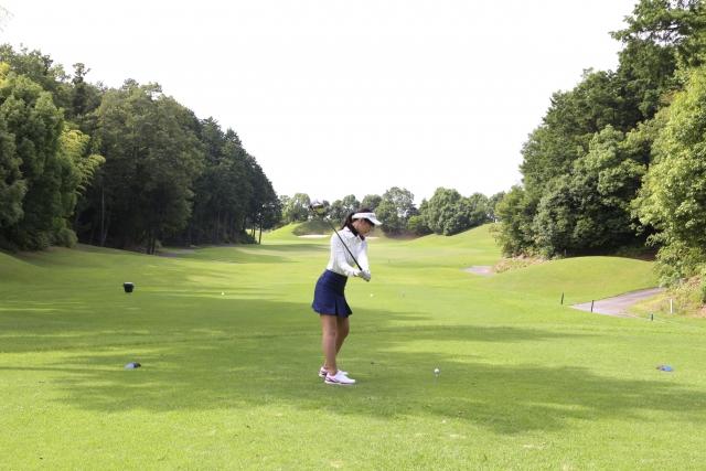 2. ゴルフで女子のヘッドスピードと飛距離の関係
