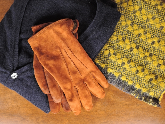 2. 秋のゴルフであると便利な女性の服装