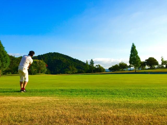 2. ゴルフ場でベルトをしていないとだらしない?