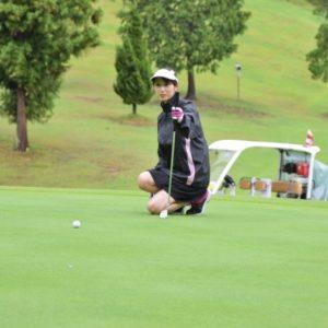 女性の冬ゴルフにおすすめな服装とは?最低限のマナーと寒さ対策ができるコーデをご紹介!