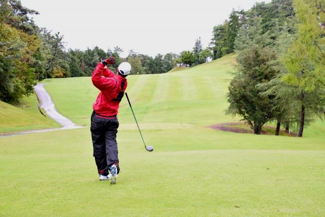 1. 曲がらないゴルフボールの特徴とおすすめな選び方