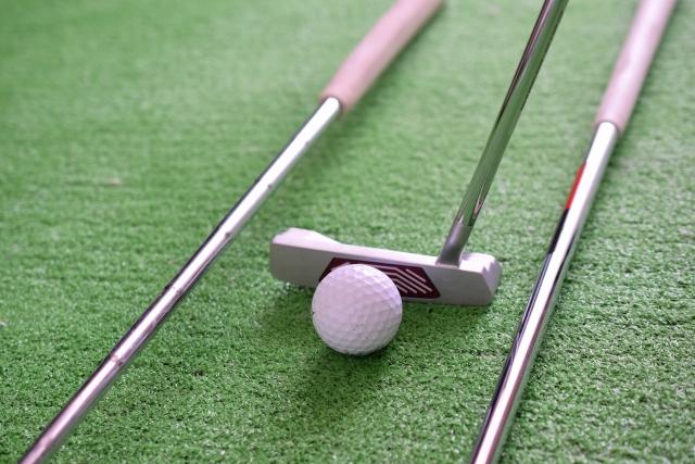 3. プライベートゴルフなら長尺パターをアンカリングしても良いの?