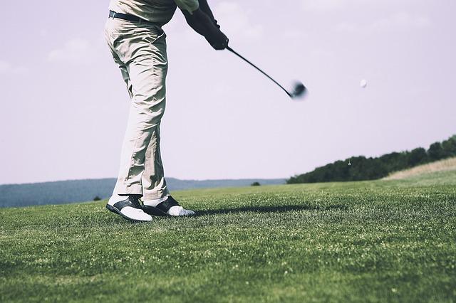4. ユーティリティのボールの位置が左足寄りの方がスイングしやすいのは錯覚!?
