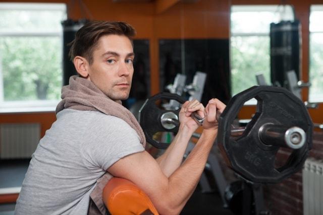 1. ゴルフ上達に向けてジムで鍛えるべき筋肉とは?