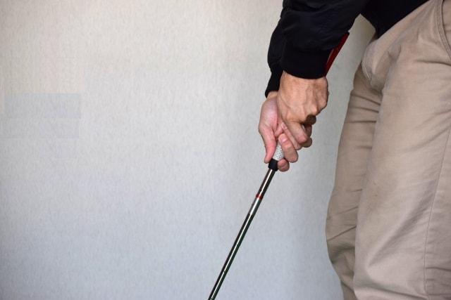 1. 種類別!パターのグリップの握り方と正しい向き