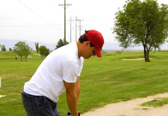 1. 赤色のゴルフ帽子の選び方