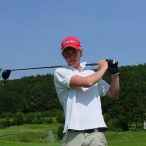 赤のゴルフ帽子のおすすめ人気ランキング10選【ラウンドでおしゃれに映える!】