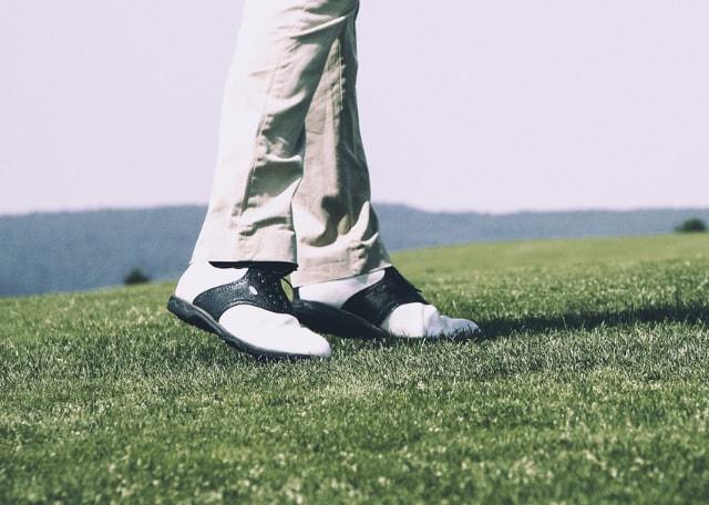 1. 安いゴルフシューズの選び方をチェック!