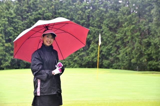 1. 雨のラウンドにおすすめなゴルフグローブの選び方!