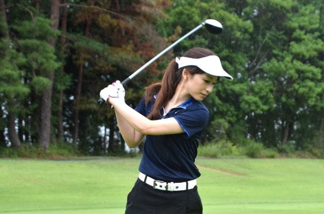 1. 両手にゴルフグローブを着用するメリット