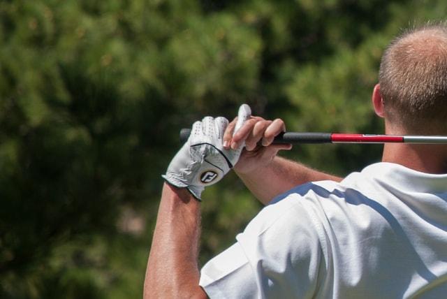 2. 合成皮革のゴルフグローブのお手入れの方法!